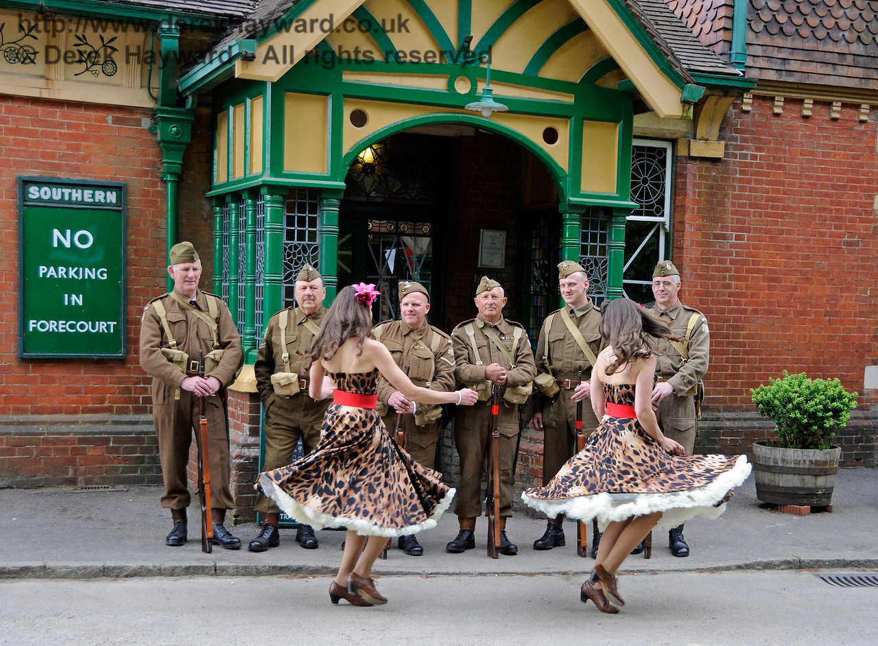 Sweetheart Swing, Southern at War, Horsted Keynes, 15.05.2016  15290
