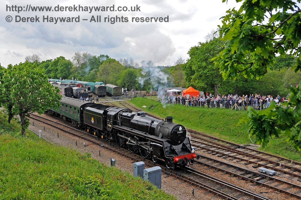 73082 leaving Horsted Keynes.  Southern at War, 15.05.2016  15250