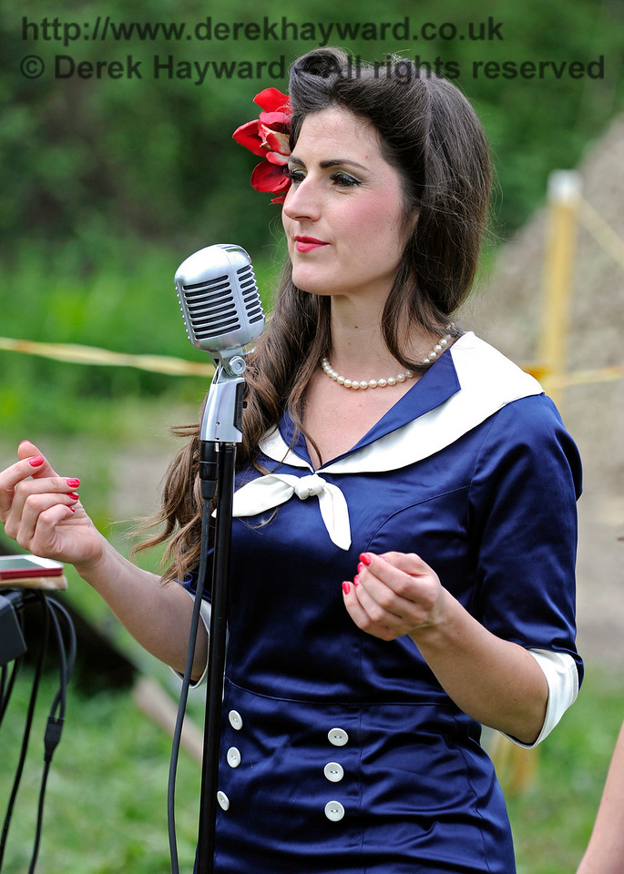 Sweetheart Swing, Southern at War, Horsted Keynes, 15.05.2016  13351