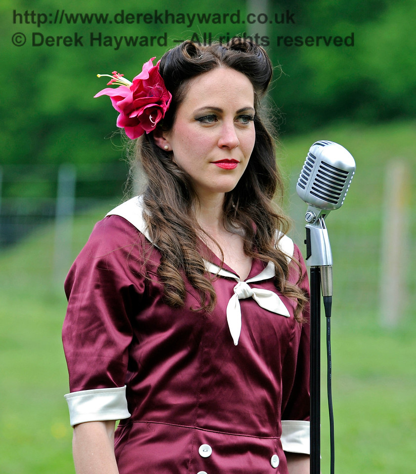 Sweetheart Swing, Southern at War, Horsted Keynes, 15.05.2016  13363