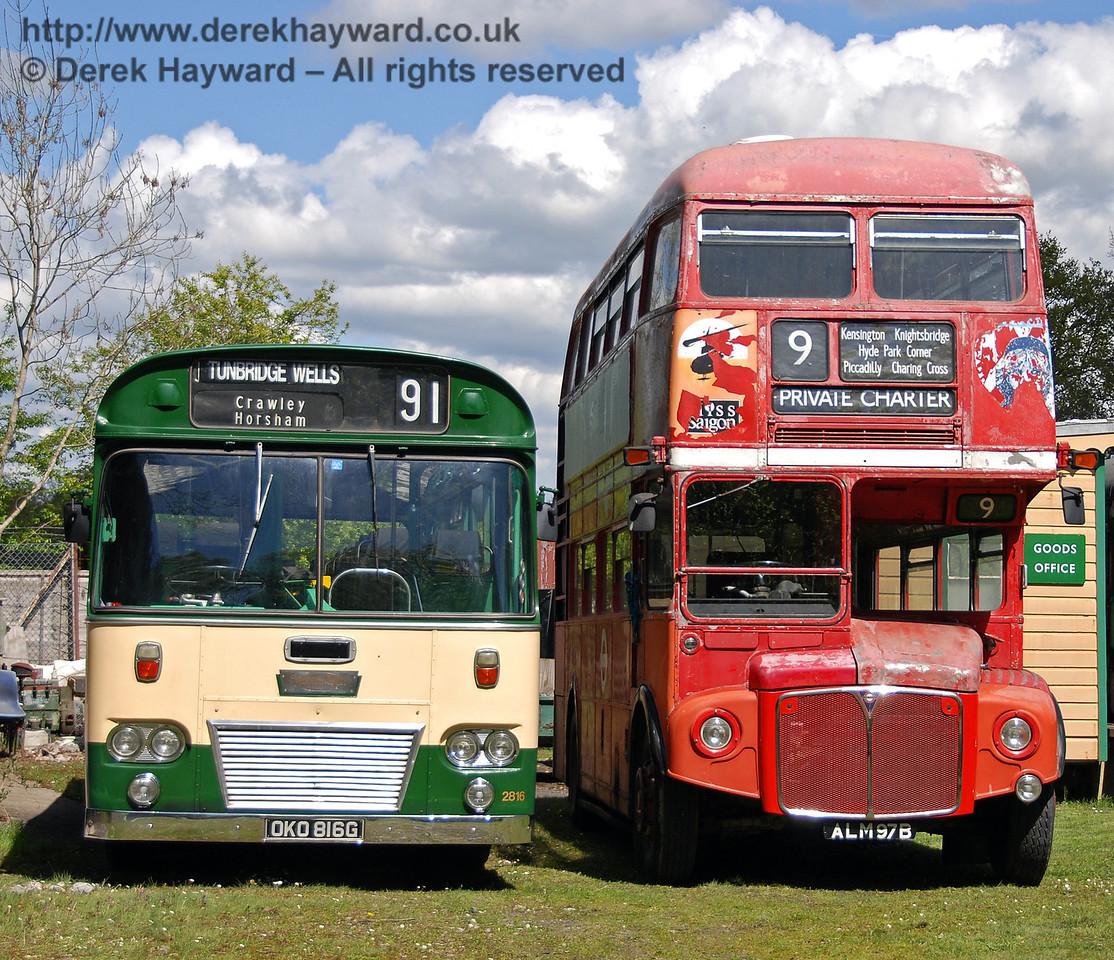 Bus Running Day, Kingscote, 26.04.2009