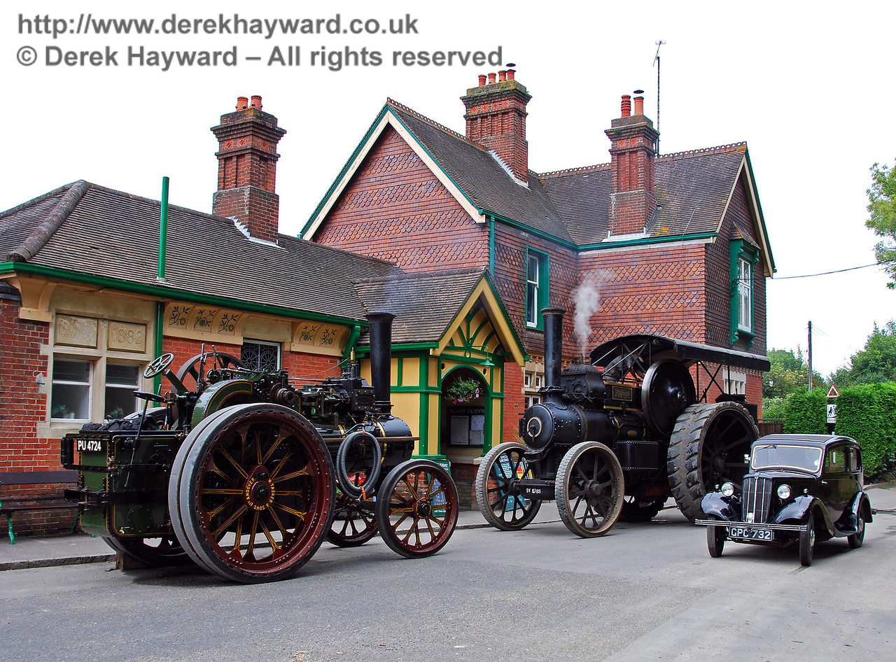 Two traction engines plus car HK Station 160808 103 E