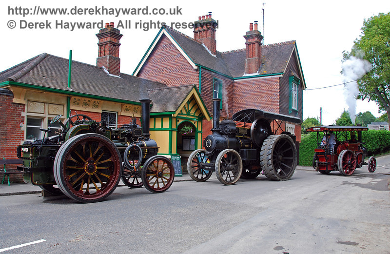 Three traction engines HK Station 160808 106 E2