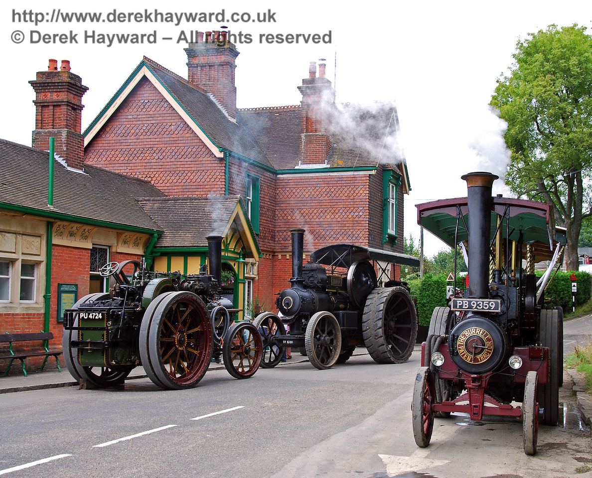 Three traction engines HK Station 160808 142 E2