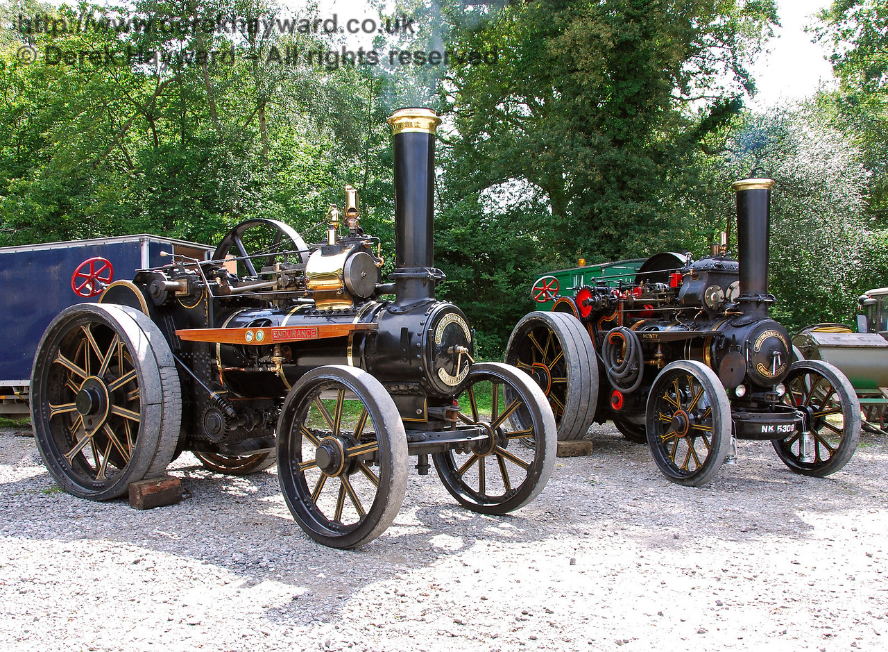 Two traction engines 160808 24 E