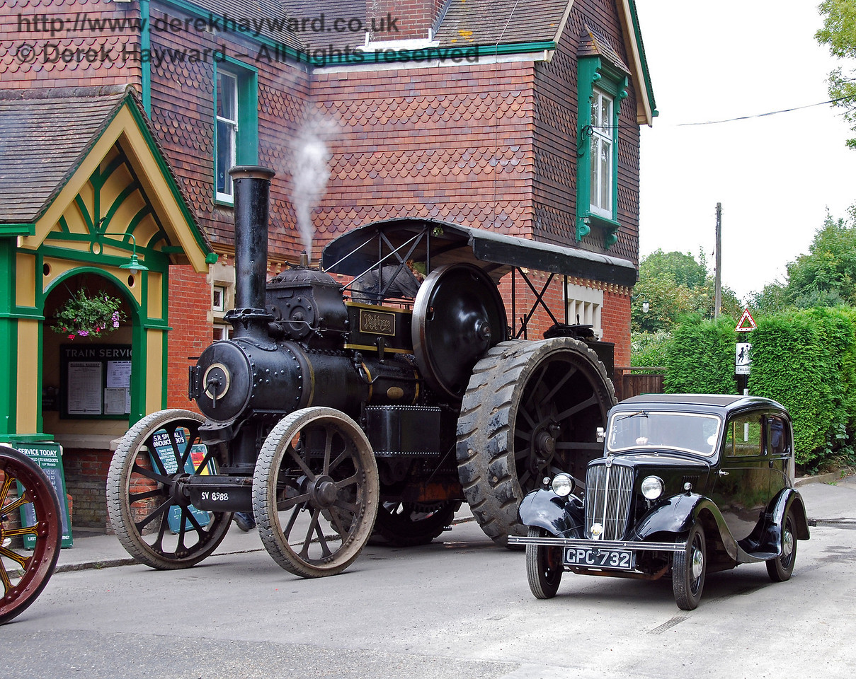 Traction engine and car HK station 160808 104 E
