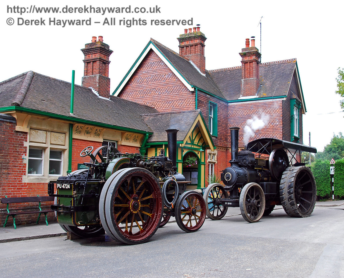 Two traction engines HK Station 160808 99 E
