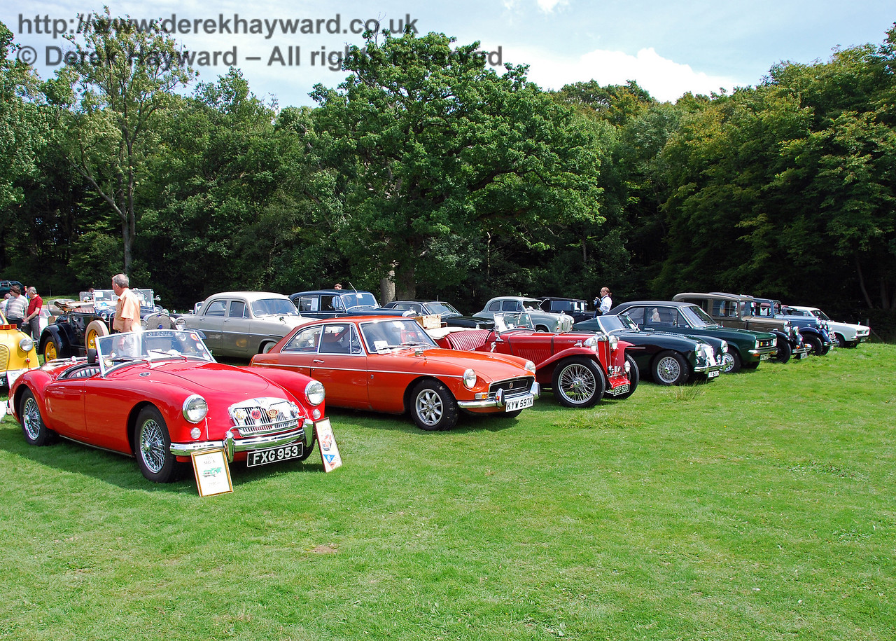 Classic cars at Horsted Keynes. 16.08.2008