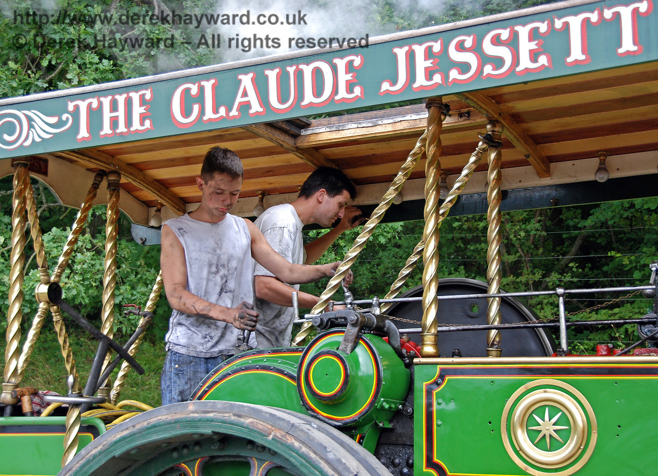 Traction engine drivers at Horsted Keynes. 16.08.2008