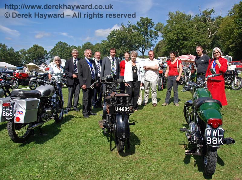 The judges pause during their assessment of the motor cycles. Horsted Keynes 16.08.2009