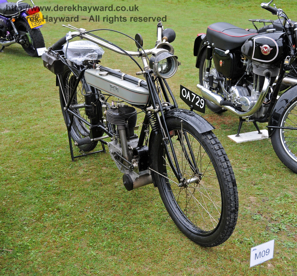 The winning Motor Cycle was a 1910 Norton, OA729, owned by Stephen Elston. Horsted Keynes 21.08.2010  4136