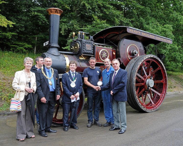 The Southdown Cup (best overall exhibit) was won by traction engine Lord Roberts (BE7217) owned by Alan Mitchell. The award was presented to the crew by David Rossiter (Stagecoach Buses). The engine also won the prize for best Traction and Steam Engine. Also pictured (left to right) are Councillor Margaret Baker (Mayor of Haywards Heath), Neil Glaskin (BRPS Trustee), Councillor Dr Michael Turner (Mayor of Lewes), and Councillor Steve Barnett (Mayor of East Grinstead). Horsted Keynes 22.08.2010  4366