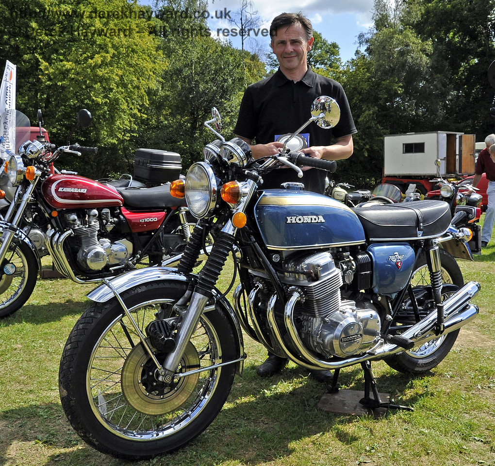 Winner Post war Mcycle Alan Goodrum 1974 Honda CB 750 K2 London Cup 140811 2682 E