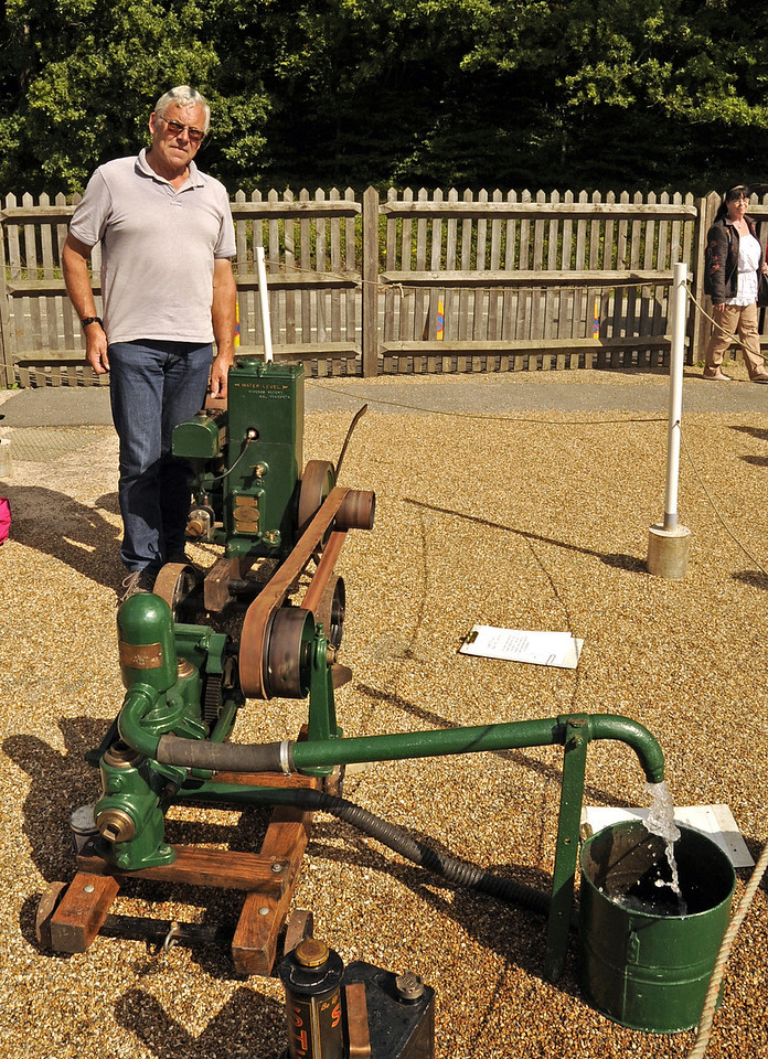 Winner Stationary Engine Ian Sampson 1935 Lister Water Pump Brighton Cup 140811 2751 E