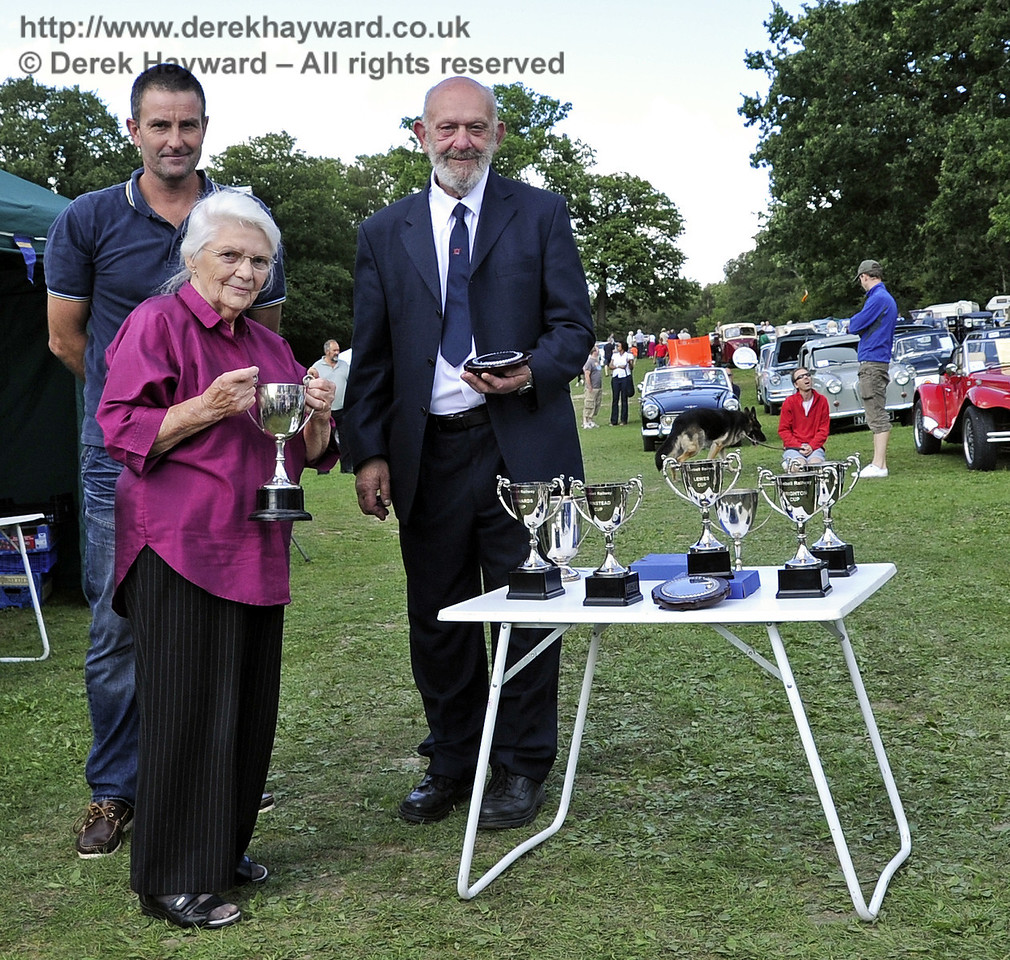 Presentation Joint Best in Show Gladys Constantine Steven Gillings Southdown Cup 140811 2662 E