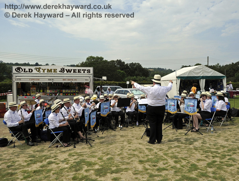 The band added to the atmosphere.  Bluebell Railway Vintage Transport Weekend, Horsted Keynes, 12.08.2012  5572