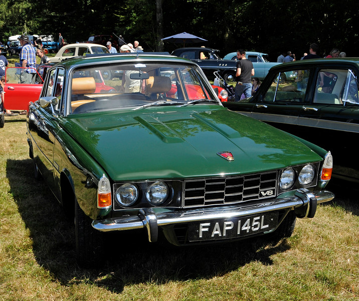 The award for Best Vintage Car went to Alan Pitches for his Rover P6 FAP145L.  Vintage Transport Weekend, Horsted Keynes.  09.08.2015   13615