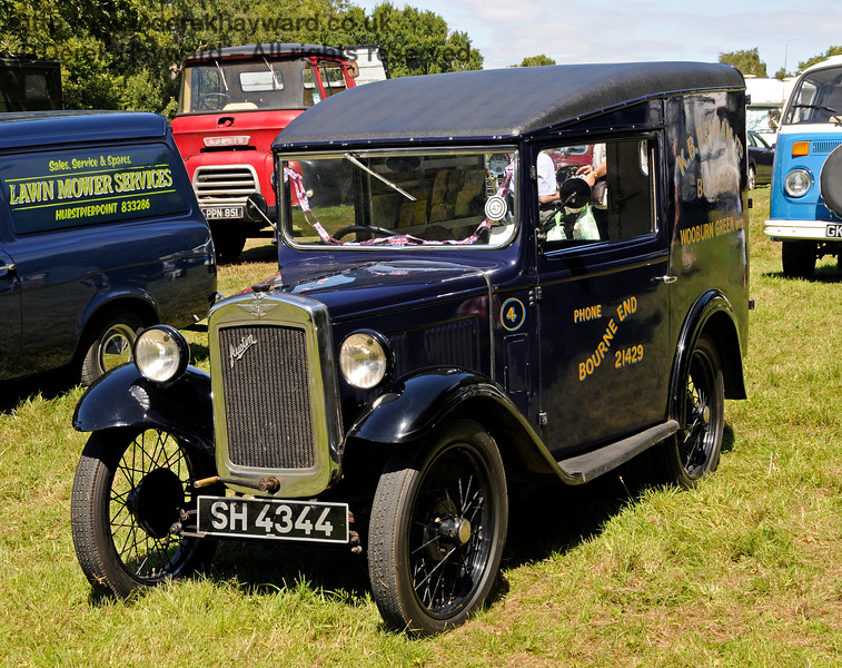 The award for Best Commercial Vehicle went to a Denhams Austin Van, SH4344, owned by Jeremy and Sue Thorpe.  Vintage Transport Weekend, Horsted Keynes.  09.08.2015  13622