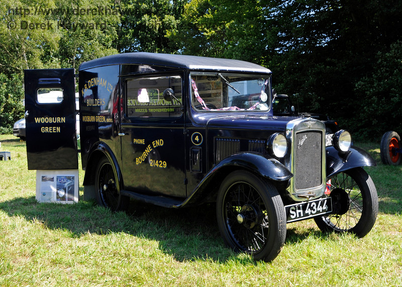 The award for Best Commercial Vehicle went to a Denhams Austin Van, SH4344, owned by Jeremy and Sue Thorpe.  Vintage Transport Weekend, Horsted Keynes.  09.08.2015  13586