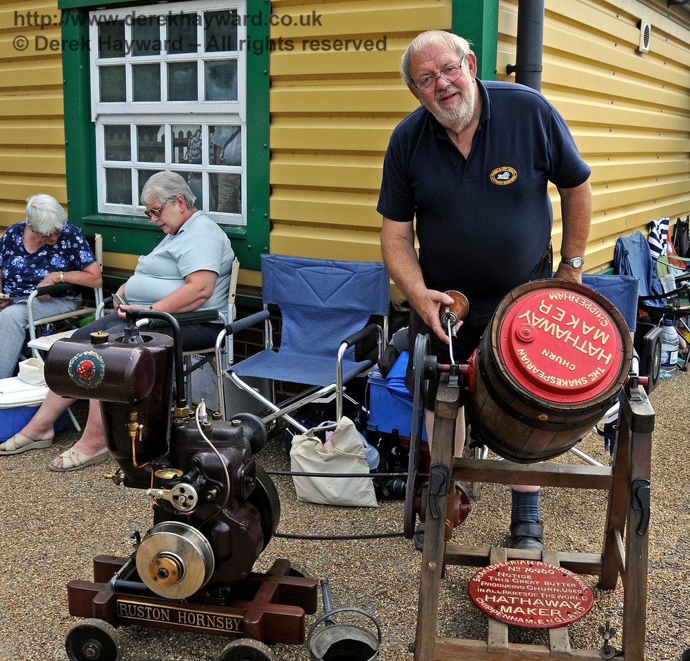 The award for best Stationary Engine went to Alan Cullen for his Ruston Hornsby, with Butter Churn.  Vintage Transport Weekend, Horsted Keynes.  09.08.2015  13635