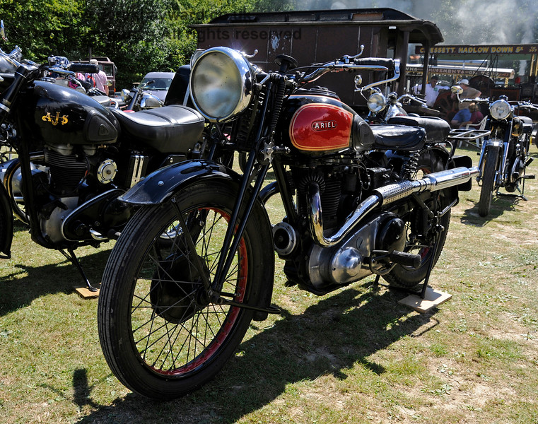 The award for best Pre-1947 Motor Cycle went to Mark Grainger for his Aerial, ESU883.  Vintage Transport Weekend, Horsted Keynes.  09.08.2015  13628