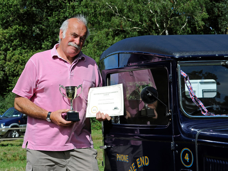 The award for Best Commercial Vehicle went to a Denhams Austin Van, SH4344, owned by Jeremy and Sue Thorpe.  Vintage Transport Weekend, Horsted Keynes.  09.08.2015  11900