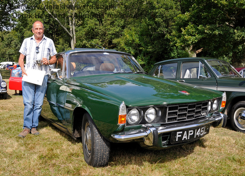The award for Best Vintage Car went to Alan Pitches for his Rover P6 FAP145L.  Vintage Transport Weekend, Horsted Keynes.  09.08.2015   13686
