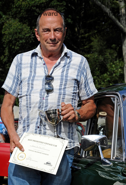 The award for Best Vintage Car went to Alan Pitches for his Rover P6 FAP145L.  Vintage Transport Weekend, Horsted Keynes.  09.08.2015   11892