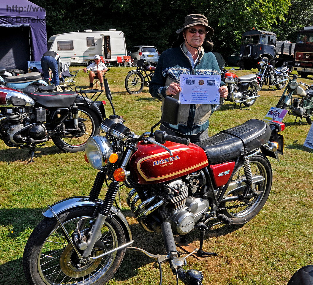 Best Motor Cycle in the Post-War category was a Honda CB 400/4, JBY3N, owned by Alan George.  Vintage Transport Weekend, Horsted Keynes, 14.08.2016  16251