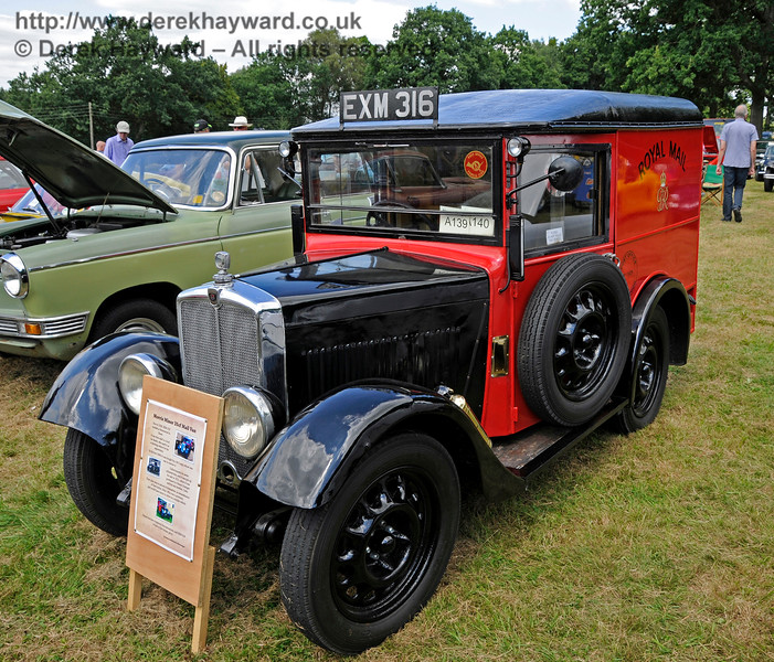 Best Commercial Vehicle was a Morris Minor 35CF Mail Van, EXM316, owned by Simon Grainger.  Vintage Transport Weekend, Horsted Keynes, 14.08.2016  16171