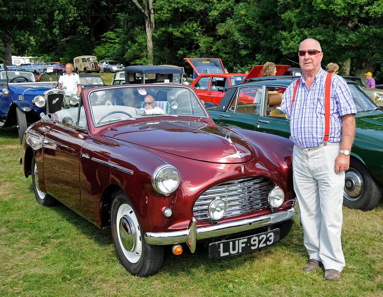 Best in Show was an Austin A40, LUF923, owned by George Jeary.  Vintage Transport Weekend, Horsted Keynes, 14.08.2016  16242