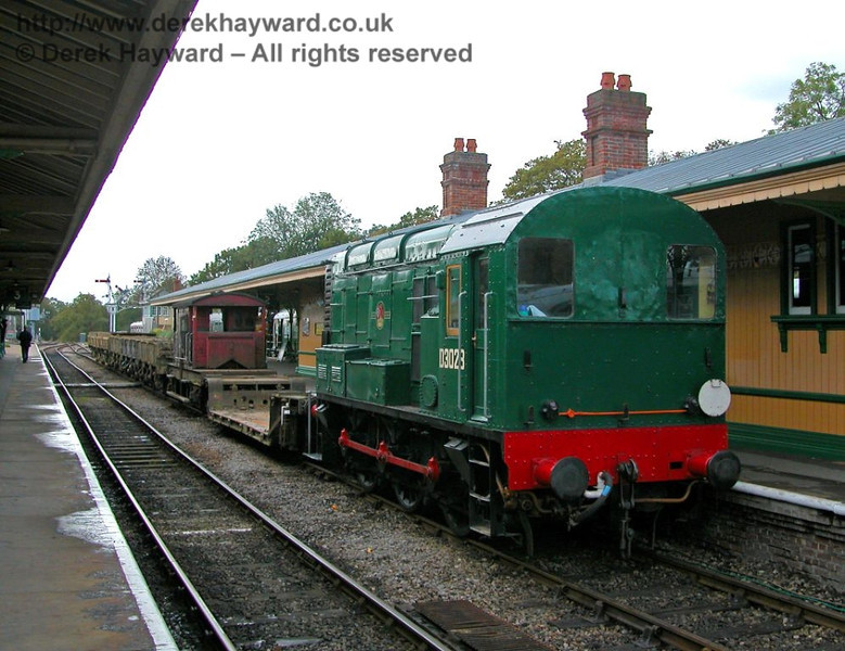 Prior to the arrival of alternative motive power D3023 was used for spoil trains between Imberhorne Tip and Horsted Keynes.  It is seen shunting a spoil train on to the Ardingly spur on 27.10.2006