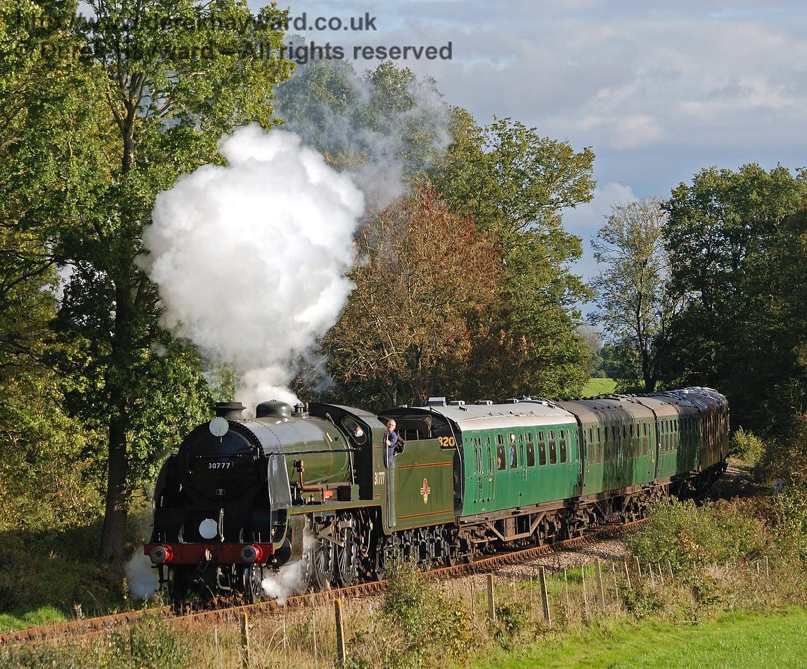 30777 Sir Lamiel north of Sloop Bridge.  22.10.2010  30042