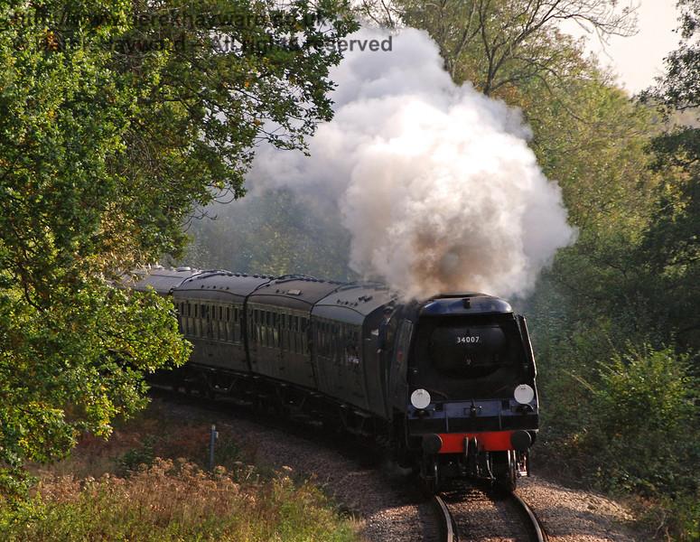 34007 Wadebridge enters Lindfield Wood. 19.10.2007
