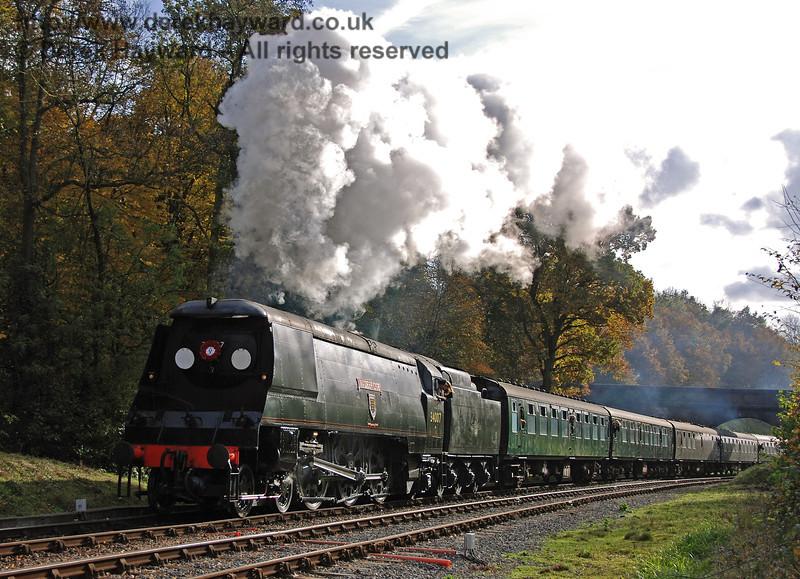 34007 Wadebridge steams north from Leamland Bridge. 04.11.2007