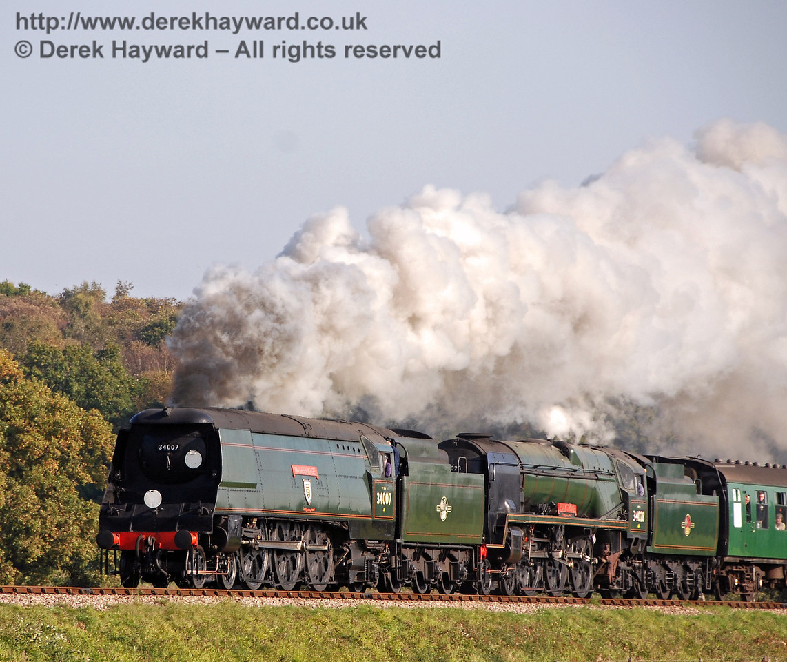 34007 Wadebridge and 34028 Eddystone start the climb up Freshfield Bank. 21.10.2007