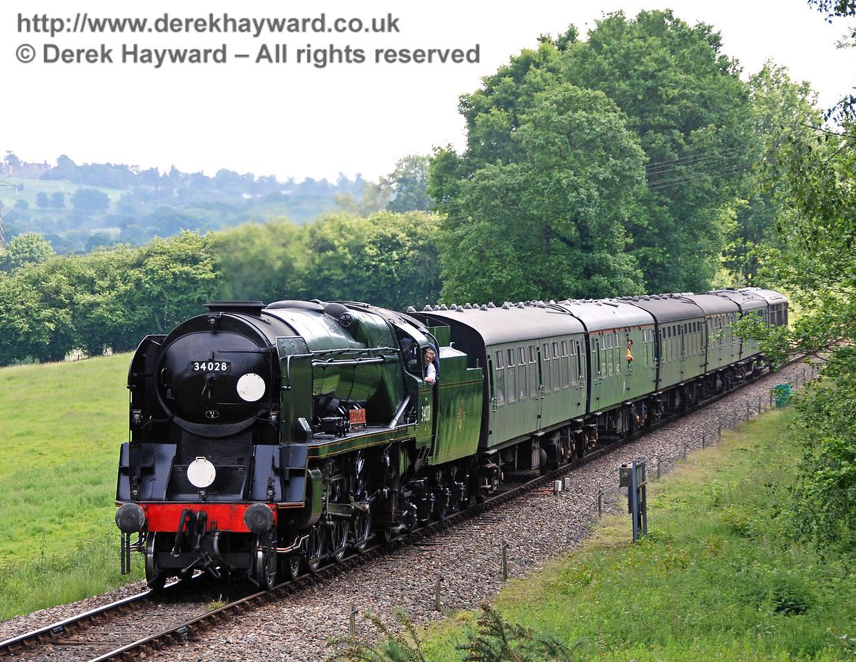 34028 Eddystone steams towards Kingscote. 03.06.2007