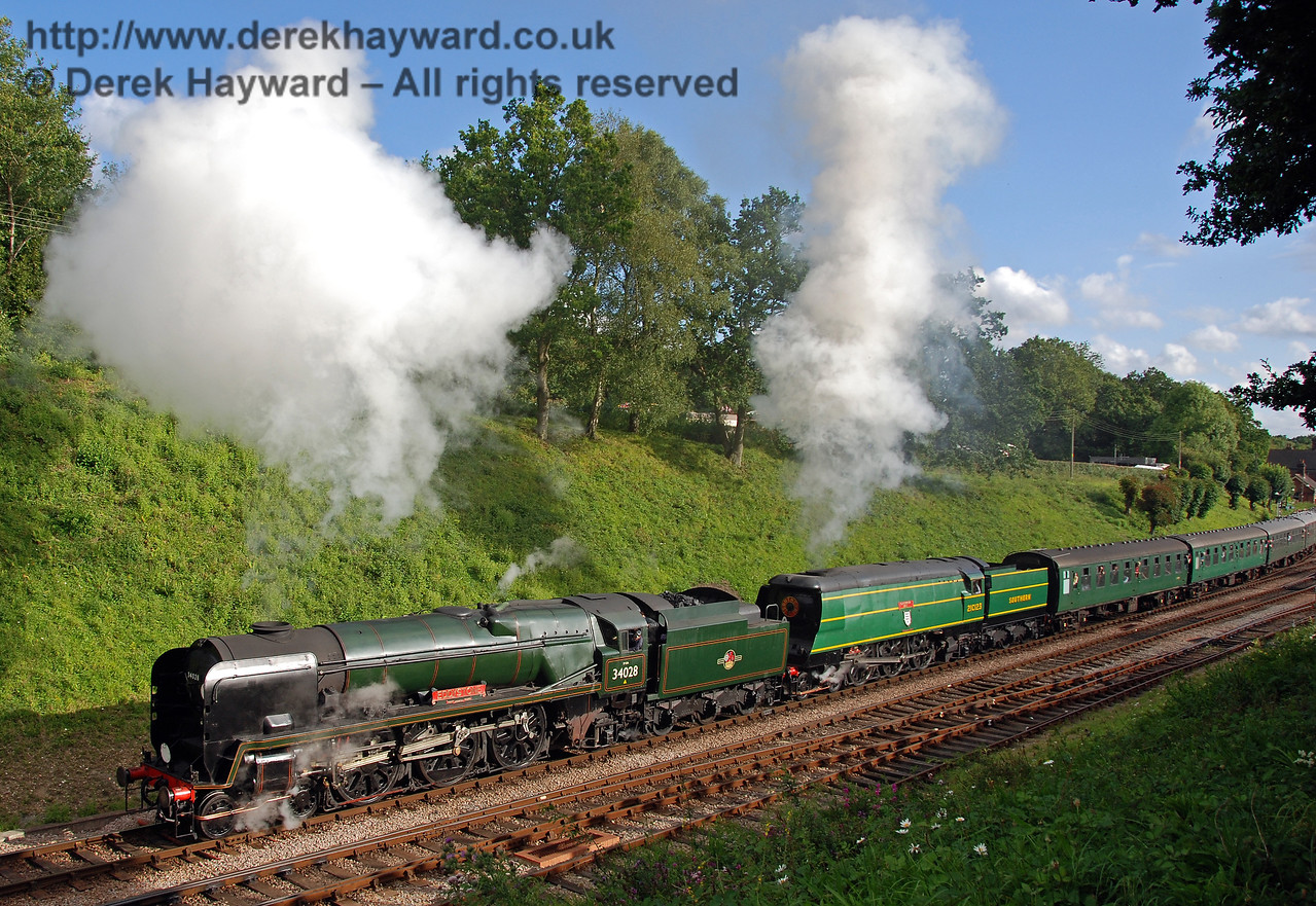 34028 Eddystone and 21C123 Blackmoor Vale double head the last train from Horsted Keynes. 12.08.2007