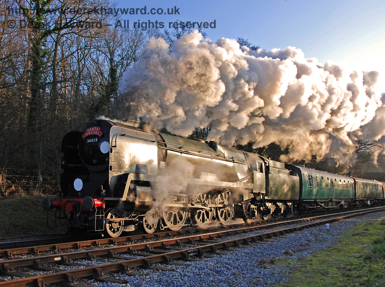 The Shedmaster (driving) generates some excellent steam effects as 34028 Eddystone leaves Horsted Keynes. 16.12.2007