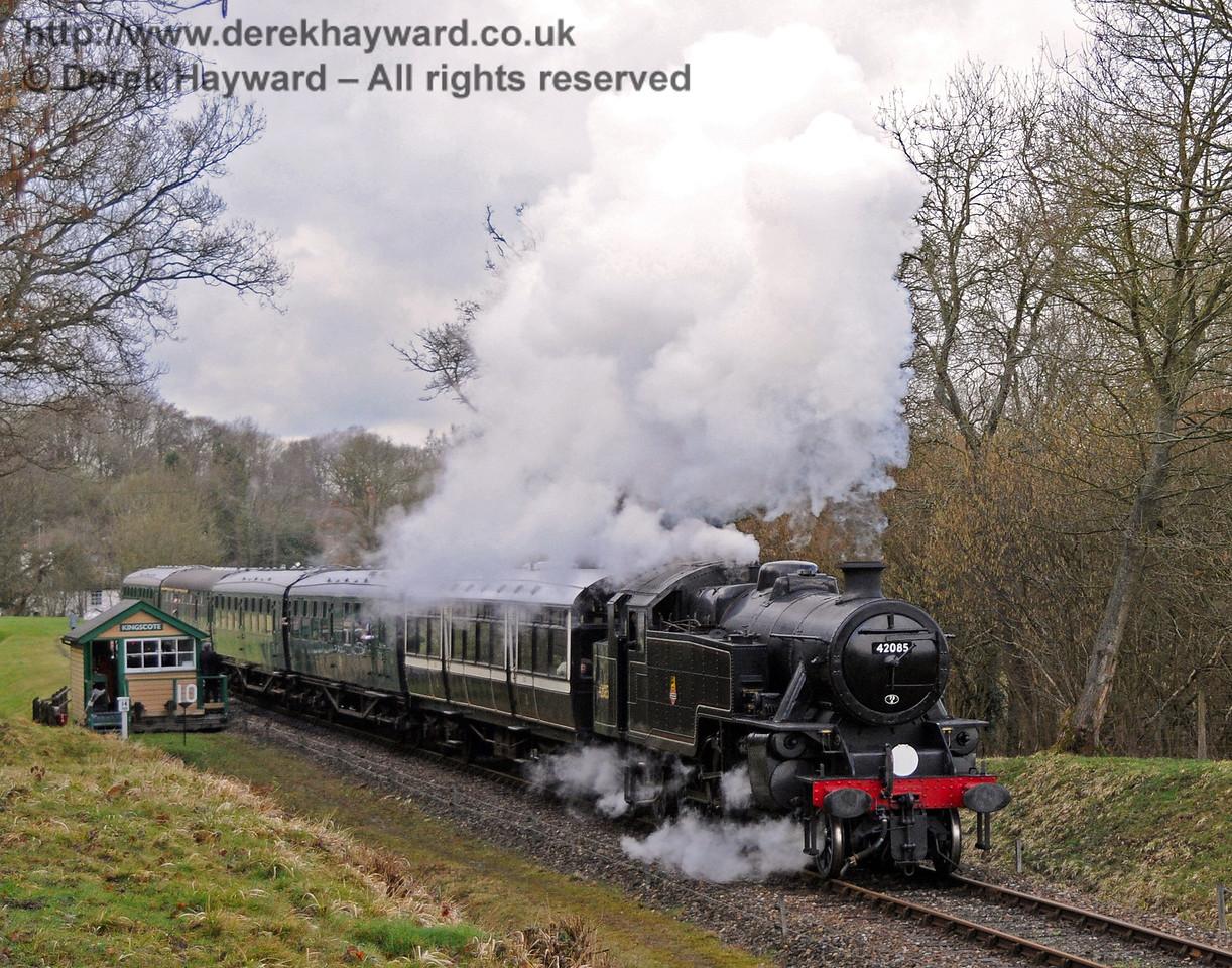 42085 leaves Kingscote. 27.03.2010  1740
