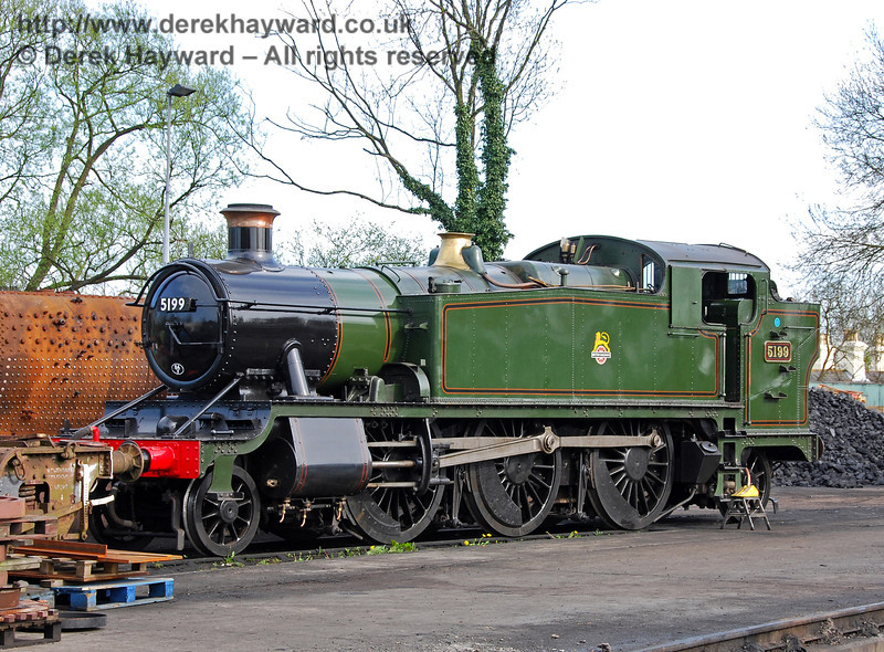 5199 stands in the yard at Sheffield Park shortly after arriving at the railway. 26.04.2008