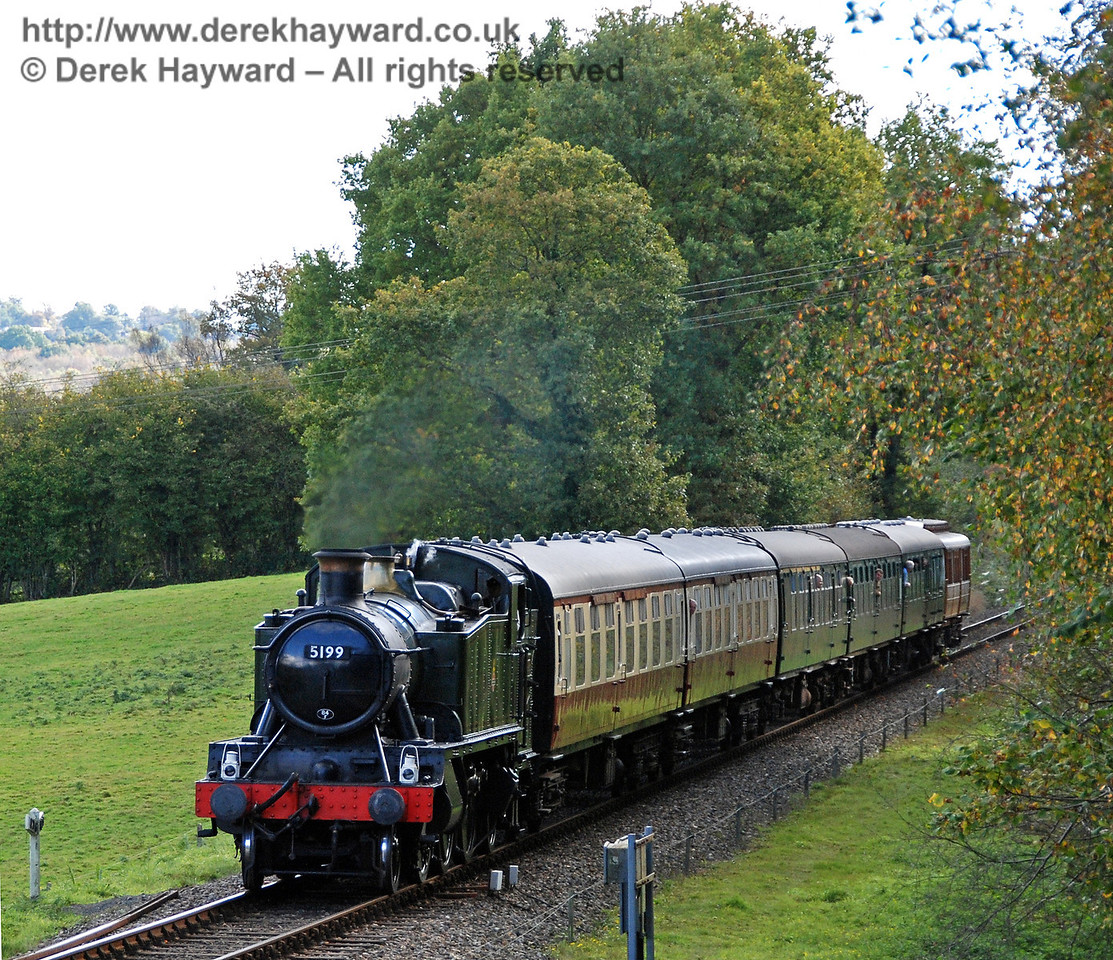 5199 approaches Kingscote.  18.10.2008