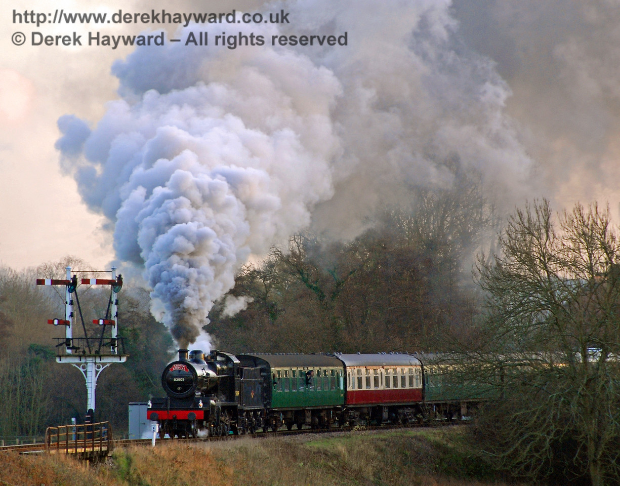53809 makes smoke signals whilst leaving Sheffield Park with a Santa Special. 06.12.2008
