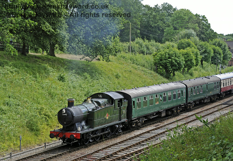 5643 leaves Horsted Keynes.  06.07.2014  9814