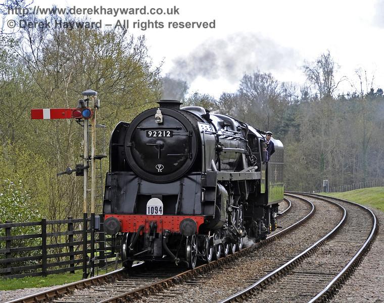 92212 at Kingscote.  15.04.2012  4386