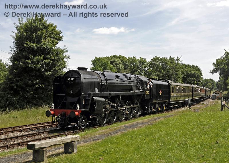 92212 arrives at Kingscote.  29.06.2013  9177