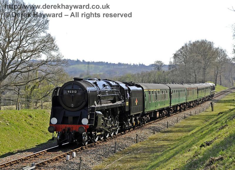 92212 steams towards Kingscote.  06.04.2012  4258