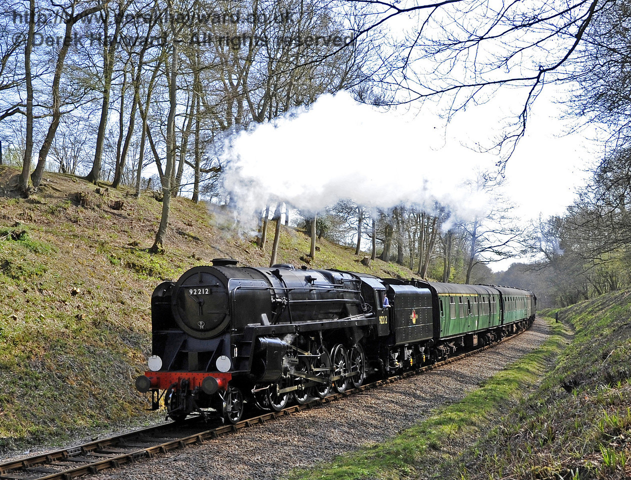 92212 approaches West Hoathly Tunnel.  06.04.2012  4326