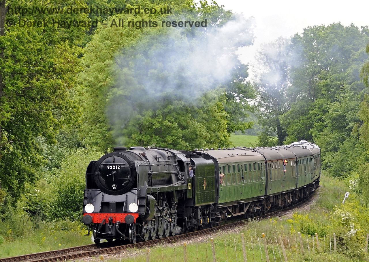 92212 rounds the bend north of Sloop Bridge.  01.06.2013  8885