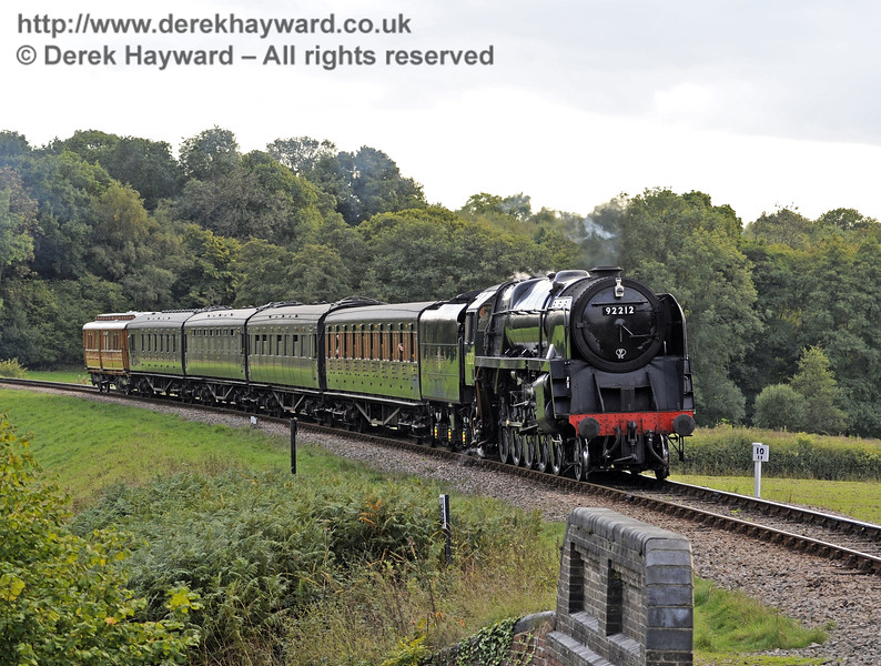 92212 approaches New Road Bridge with a service train.  06.10.2013  8183